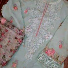 Pure silk dupatta. Embroidered shirt. Available on SALE. To order DM us or Whatsapp: 923343340547 Send a msg on fb: fb.com/threaderpk Email at threaderpk2@gmail.com #pakistanicouture #elan #karachi #fashion #mahirakhan #pakistanifashion #desi #shalwarkameez #desifashion #indianfashion #lollywoodfashion #pakistanstreetstyle #mayoon #bridalwear #Weddingseason #shaadi #shaadiseason #formal #kurta #jamawar #mehndioutfits #velvet #pakistani #banarsi #nikkah #couture #gulahmed
