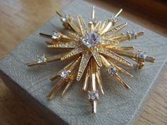 Avon Vintage Star Burst Brooch