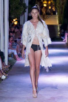 Atzaro fashion show 2013