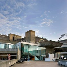 Southbank Centre The nearest Accor hotel : Novotel London Waterloo Accor Hotel, Boston City Hall, Brutalist Buildings, Brutalist Design, Hayward Gallery, Gallery Lighting, Museum Art Gallery, London Museums, Architectural Section