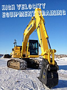 Our new Komatsu at our field training site, she's a beauty ! Heavy Construction Equipment, Heavy Equipment, Komatsu Excavator, Heavy Machinery, Bucket, Action, Training, Snow, Yellow