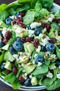 This tasty Blueberry Broccoli Spinach Salad with Poppyseed Ranch is the perfect blend of savory sweetness! Vegetarian and Gluten-Free. Easy Salads, Healthy Salad Recipes, Summer Salads, Spinach Recipes, Spinach Salads, Delicious Recipes, Soup And Salad, Pasta Salad, Healthy Eating