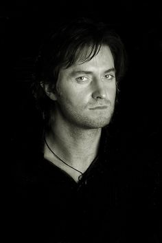 t Richard Armitage have never seen this before OMG Drew Gardner Photo 2006 how the hell have i missed this after all this time