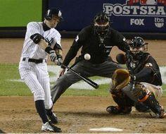 2012.10.12 オリオールズ戦の6回、右中間に適時二塁打を放つヤンキース・イチロー