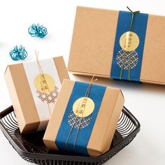 切り絵 巻紙 和風ギフトパッケージ Cake Boxes Packaging, Dessert Packaging, Bakery Packaging, Cookie Packaging, Tea Packaging, Food Packaging Design, Packaging Design Inspiration, Branding Design, Food Graphic Design