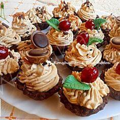Mákos bejgli szelet Mini Cupcakes, Cake Cookies, Fudge, Oreo, Muffin, Easter, Recipes, Candy Stations, Mesas