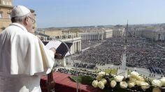 """Ostermesse auf dem Petersplatz: Papst verurteilt """"blinden und grausamen"""" Terrorismus"""