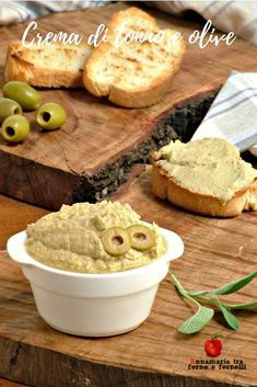 Tuna and olives cream, without cooking, is prepared in 5 minutes and is very good Mousse, My Favorite Food, Favorite Recipes, Appetizer Buffet, Remoulade, Cold Dishes, Party Finger Foods, Antipasto, Food Allergies
