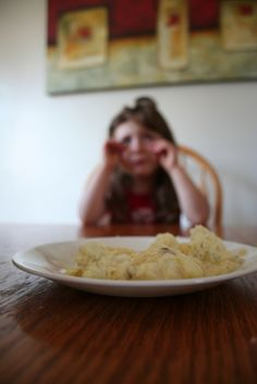 Do you have a picky eater? There are ways to tackle that whole picky eating thing and find success with new foods for your child! Classroom Behavior, Kids Behavior, Oppositional Defiant Disorder, Difficult Children, Teaching Social Skills, Rhyme And Reason, Foster Care, Picky Eaters, Fussy Eaters