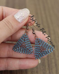 Bead Jewellery, Beaded Jewelry, Beading Patterns, Beadwork, Projects To Try, Wedding Planning, Sparkle, Drop Earrings, Jewels