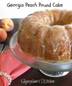 Georgia Peach Pound Cake–Loaded with delicious peach flavor! Georgia Peach Pound Cake–Loaded with delicious peach flavor! Köstliche Desserts, Delicious Desserts, Dessert Recipes, Yummy Food, Plated Desserts, Food Cakes, Cupcake Cakes, Pound Cake Cupcakes, Peach Pound Cakes