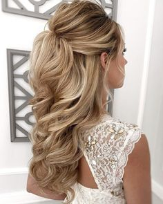 Half Up Wedding Hair, Wedding Hairstyles Half Up Half Down, Hairdo Wedding, Long Hair Wedding Styles, Wedding Hairstyles For Long Hair, Elegant Hairstyles, Long Hair Styles, Homecoming Hairstyles, Hairstyles For Bridesmaids