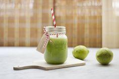 """Day 3: """"Clarity"""" Juice. Recipe here: http://dilycious.it/centrifugato-day-3-pulizia-interna-cavolo-nero-sedano-lattuga-cetriolo-limone-zenzero/"""
