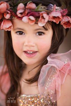 Beautiful brown eyes - charming child by Jamie Frayser Beautiful Brown Eyes, Beautiful Little Girls, Beautiful Children, Beautiful Babies, Beautiful People, Cute Kids, Cute Babies, Pretty Kids, Foto Baby