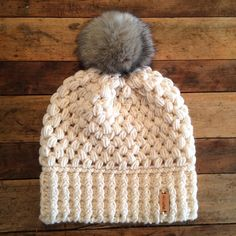 I've been so excited about this for so long and I finally had time to make it happen! Heads up, there is only 1 left. Link is in my bio! Crochet Adult Hat, Crochet Beanie Hat, Crochet Cap, Easy Crochet, Knitted Hats, Yarn Projects, Crochet Projects, Crochet Winter, Crochet Accessories