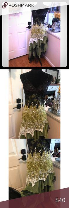 Ever ❤️ Pretty Asymmetrical Tulle Dress US size 4 (small)  Ever ❤️ pretty  Tulle Asymmetrical  Green and Black  Some Lace  Spaghetti strap ever pretty Dresses Asymmetrical