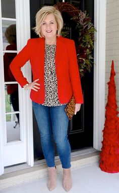 Are you going to a Galentine party and wondering what you should wear? You can't go wrong wearing red or pink, but leopard print will make a big statement! 60 Fashion, Over 50 Womens Fashion, Fall Fashion Outfits, Casual Fall Outfits, Fashion Over 40, Mode Outfits, Fashion 2020, Spring Outfits, Plus Size Fashion