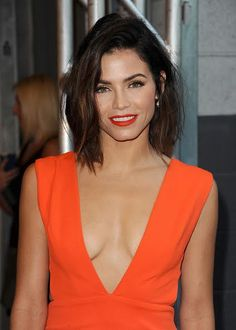 Jenna Dewan Tatum's smooth waves and tomato-red lip combo: How To Get The Look