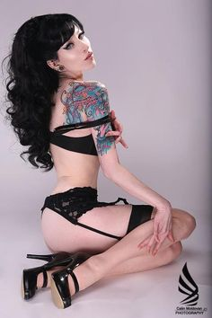 Inked Woman 0314