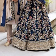 "Shyamal & Bhumika on Instagram: ""Details of our mood blue lehenga. . ""MEMOIRS OF A MAHARANI""  SHYAMAL & BHUMIKA  2019 Couture Collection . Kindly WhatsApp us on…"" Call/WhatsApp  us for more information or Purchase : +91-9924040197, #bollywood #bridal #wedding #festival #navratri #celebrity #manishmalhotra #curomoda"