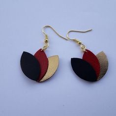 Unique piece lotus flowers in black leather red and gold Diy Leather Earrings, Bead Earrings, Leather Jewelry, Leather Craft, Polymer Clay Jewelry, Resin Jewelry, Jewelry Crafts, Handmade Jewelry, Unique Jewelry
