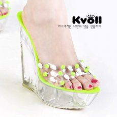 T24523 Kvoll Skull Rivet Transparent Platform Wedge Slipper Green [T24523] - $26.25 : China,Korean,Japan Fashion clothing wholesale and Dropship online-Be the most beautiful Lady