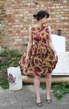 Cassielouise's African print dress on burda. Vintage pattern, modern fabric.