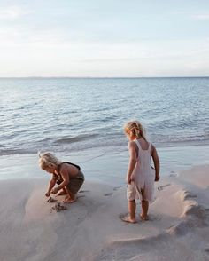 Children and Young Little People, Little Ones, Cute Kids, Cute Babies, Little Footprints, Beach Kids, Beach Babies, How To Pose, Family Adventure