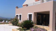 Villa Lofos , Περιβόλια, Ελλάδα. Crete Holiday, Garage Doors, Villa, Mansions, House Styles, Outdoor Decor, Home Decor, Decoration Home, Room Decor