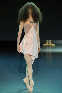 Sfilata Viktor & Rolf Paris - Alta Moda Primavera Estate 2014 - Vogue
