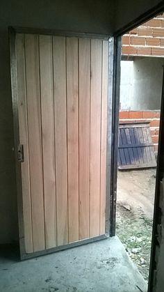 Ya probe este pin Garage Doors, Outdoor Decor, Home Decor, Doors, Decoration Home, Room Decor, Home Interior Design, Carriage Doors, Home Decoration