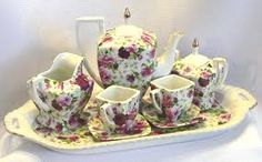 Love these square teacups!