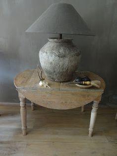 Het Moonhuis Home Lighting, Cement, Floor Lamp, House Plans, Chandelier, Table Lamp, Diy Projects, Living Rooms, Lamps