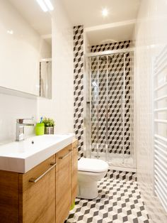 Discover the bathroom with the cement tile effect tiles from Phili . Monochrome Bathroom, Bathroom Shower Tile, Bathroom Vanity, Bathroom, White Bathroom, Cement Tile, Bathrooms Remodel, Bathroom Design, Bathroom Decor