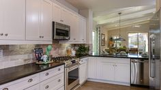 What a #view! With this #kitchen, you can see and interact with everyone!
