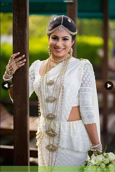 Kandyan Bride White Saree Wedding, Sari Wedding Dresses, Bridal Sari, Wedding Sarees, Bridal Dresses, Wedding Centerpieces, Wedding Decorations, Wedding Ideas, Sri Lankan Bride