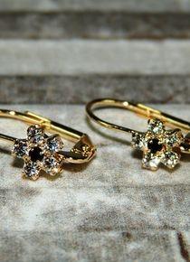 Aros de flor circón oscuro con circones cristal sombra Gold Rings, Jewelry, Flower, Dark, Crystals, Jewelery, Jewellery Making, Jewels, Jewlery