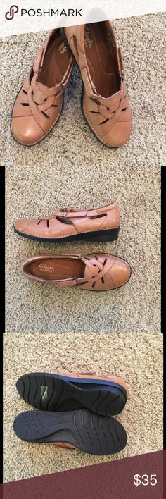 Clarks Bendables shoes Sz 6.5 W New never used very light and comfortable shoe with Velcro fastener Clarks Shoes Flats & Loafers