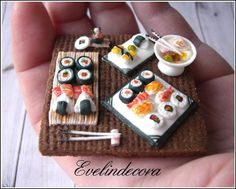 Royal Icing Sushi Miniatures on Cookie by Evelindecora