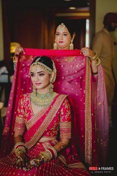 Indian Bridal Photos, Indian Bridal Outfits, Indian Bridal Fashion, Indian Bridal Wear, Indian Wedding Couple Photography, Indian Wedding Bride, Bridal Photography, Wedding Wear, Indian Gowns Dresses
