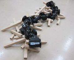 1メートルの段差も登れるヘビ型ロボット 工場の点検に活用へ 電気通信大など: ヘビ型ロボット「T2 Snake-3」