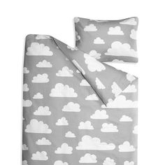 100% cotton duvet cover (100 x 130cm) and pillow case (40 x 55cm) in the iconic Moln Clouds design by Gunila Axén. This gender neutral bedding set is a good size for a cot, cot bed or toddler bed. Farg Form make a duvet and pillow inner for this set, you can find them here.