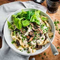 Mushroom and Herb Pasta with Vegan Cashew Cream Sauce - Nadia Lim Raclette Originale, Galette Des Rois Recipe, Vegan Cashew Cheese, How To Cook Mushrooms, Vegetarian Recipes, Healthy Recipes, Mushroom Sauce, Mushroom Pasta, Cashew Cream