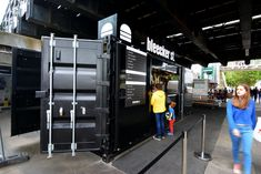 Shipping container becomes pop up gourmet burger bar on Bleeker St - UK