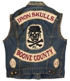 Iron Skull Outlaw MC (est 79 years tradition The Iron Skull Outlaws Motorcycle Club is established out of Cargo-Yard on Elysian Island. Outlaws Motorcycle Club, Motorcycle Vest, Motorcycle Clubs, Biker Vest, Biker Jackets, Bike Gang, Denim Cutoffs, Jeans, Vintage Biker