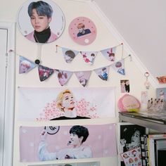 Creating an Army Bedroom Army Room Decor, Cute Room Decor, Bedroom Decor, Bedroom Ideas, Army Bedroom, Aesthetic Room Decor, Kpop Merch, Room Goals, Decorate Your Room