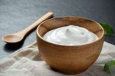 The health benefits of yogurt go beyond digestive ones. Check out how and why you may want to use yogurt in your beauty routine. Plain Yogurt Benefits, Benefits Of Eating Yogurt, Yogurt Health Benefits, Soften Feet, How To Prevent Cavities, Farmers Almanac, How To Lighten Hair, Sour Cream, Moisturize Hair