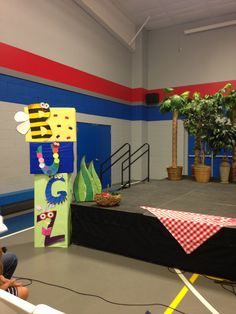 """The """"Bugz"""" musical sign."""