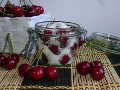 le ciliegie sotto zucchero, una ricetta con ciliegie e zucchero, un modo per conservare le nostre amate ciliegie per tutto l'anno