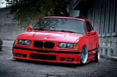 BMW E36 M3 red slammed